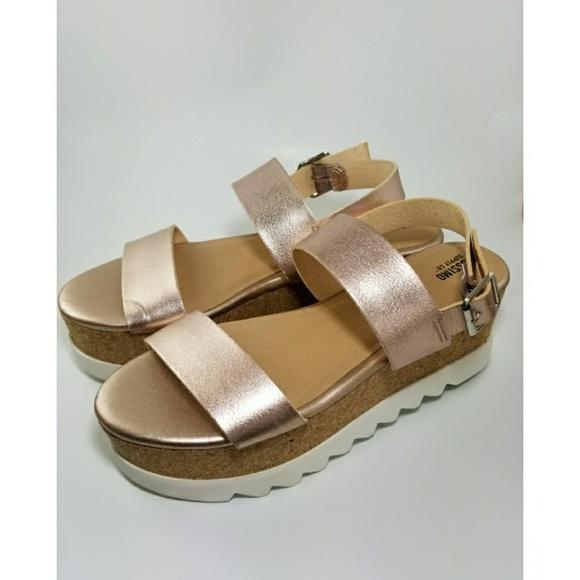 d1b3ce57382 Mossimo Lizzie Strap Platform Sandals Rose Gold. M 5abdf8c69d20f0fdcfcb4d34